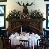 fireplace_wedding_flowers_2