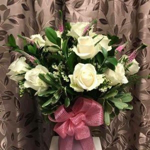 Deluxe Dozen White Roses
